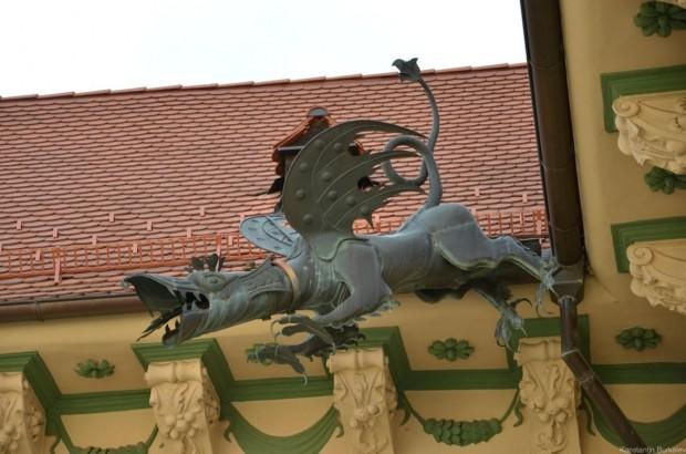 Водосток в форме дракона
