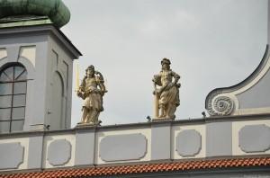 Скульптуры городской ратуши