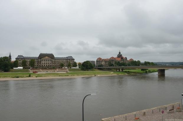 Дрезден. Вид через Эльбу