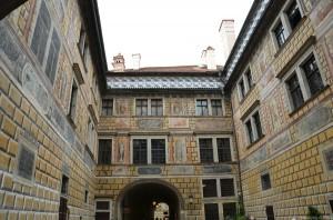 Внутренний дворик в замке