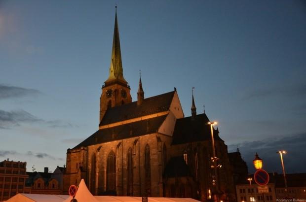 костел святого Варфоломея вечером